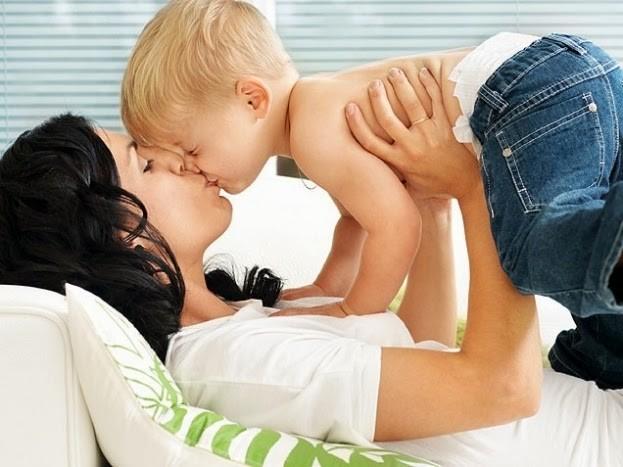 Cáries no bebê: transmissão pelo beijo.