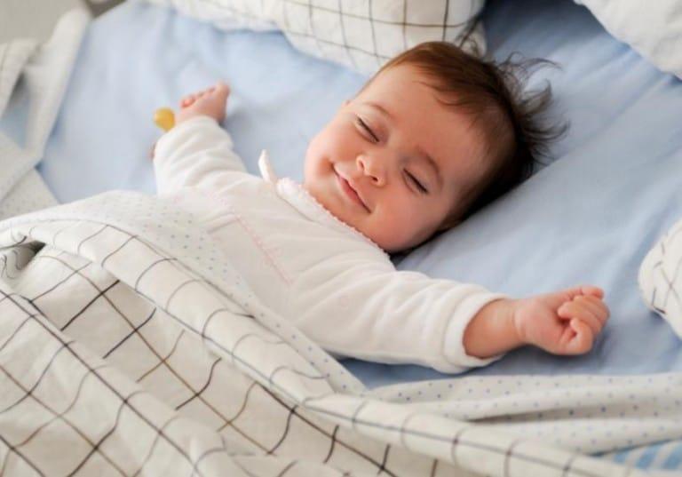 Dicas de como ensinar sua filha ou filho a dormir sozinho!